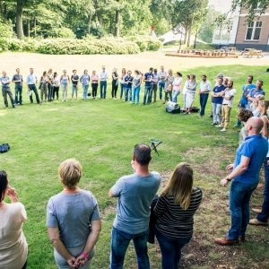 Nabespreken management game in grote kring